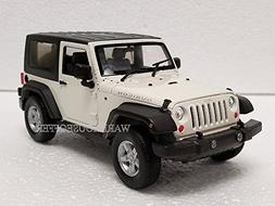 NEW 1:24 DISPLAY WELLY COLLECTION - WHITE 2007 JEEP WRANGLER