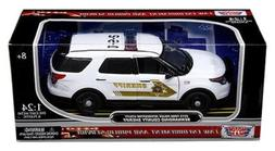 New 1:24 W/B AMERICAN CLASSICS COLLECTION - WHITE 2015 FORD