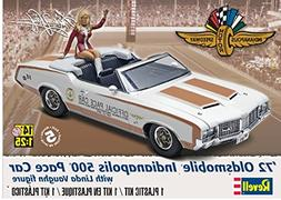 1/25 1972 Oldsmobile Indy 500 Pace Car w/Linda Vaughn Figure