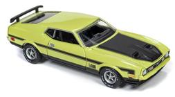 Auto World 1/64 1972 Ford Mustang Mach I Bright Lime Die-Cas