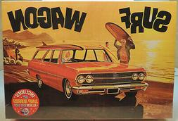 AMT 1965 Chevelle Surf Wagon 1:25 scale car model kit new 11