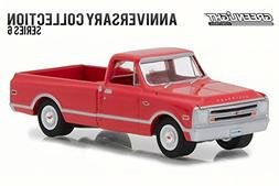 Greenlight 1968 Chevy C-10 100th Anniversary of Chevy Truc