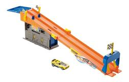 Hot Wheels Team Hot Wheels Rooftop Race Garage Playset
