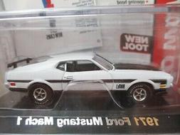 AUTO WORLD - CAR AND DRIVER - 1971 FORD MUSTANG MACH 1 - DIE
