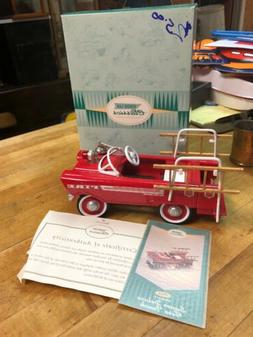 HALLMARK KIDDIE CAR CLASSICS 1962 MURRY SUPER DELUXE FIRE TR