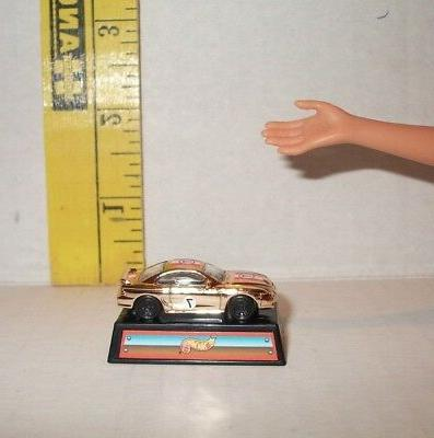 MATTEL TOMMY DOLL TOY ON ACCESSORY DIORAMA