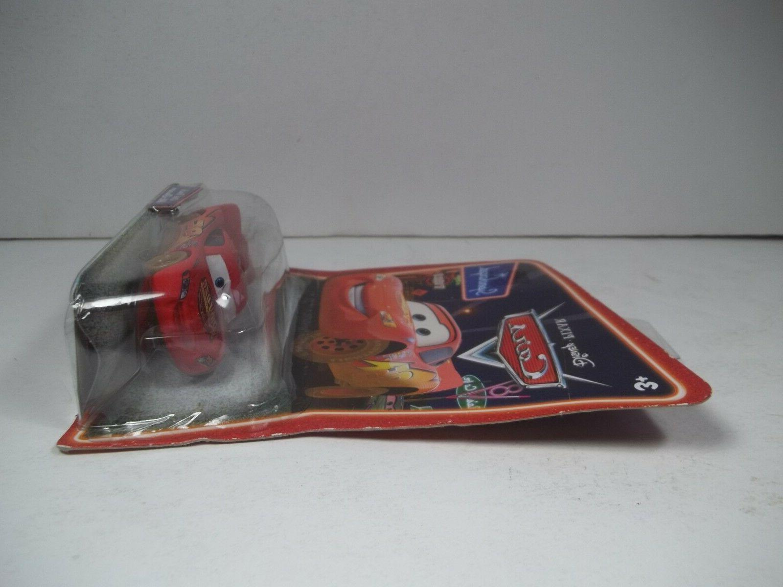 NIP DISNEY PIXAR SUPERCHARGED DIRT TRACK LIGHTNING MCQUEEN