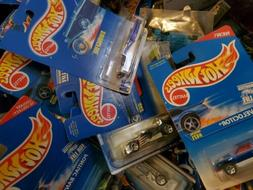Hot Wheels, Mixed lot of 30! Cars will vary in age. no dupli