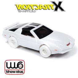 Auto World Xtraction R25 Knight Rider  iWheels 1:64 HO Slot