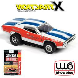 Auto World Xtraction R29 1971 Plymouth Road Runner Sox & Mar